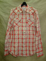 TRUE RELIGION STYLEMIHBR74 COLOR:FK RED DOBBY SAWTOOTH NO LOGO L/S WESTERN SHIRT SIZE:S.M.L. 100%COTTON MADE IN CHINA